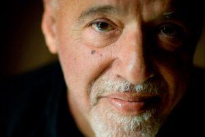"""Paulo Coelho: """" non lasciar vuoto neanche un minuto"""""""