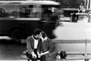 """""""L'amore non basta per amare"""": la splendida poesia di Mauro Leonardi"""