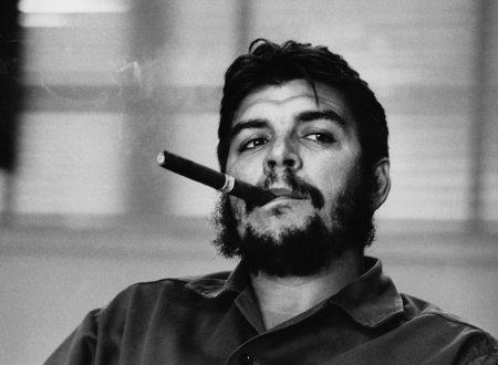 """""""Spogliati tutta"""": la romantica poesia di Ernesto Che Guevara"""