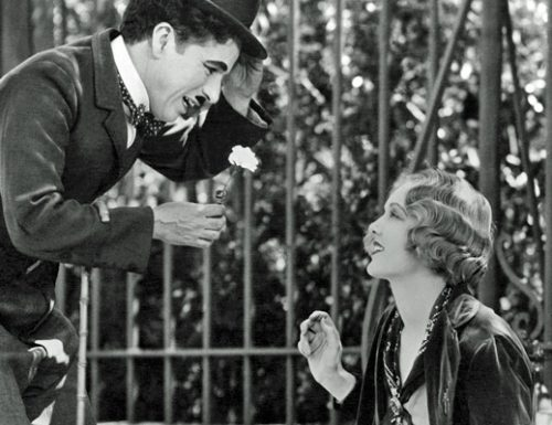 """""""Vivi come credi, fai ciò che ti dice il cuore"""": il significativo brano di Charlie Chaplin"""