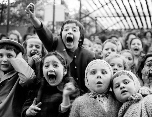 """""""Non insegnate ai bambini"""": il testo di Giorgio Gaber che ci insegna a dare valore ai più piccini"""