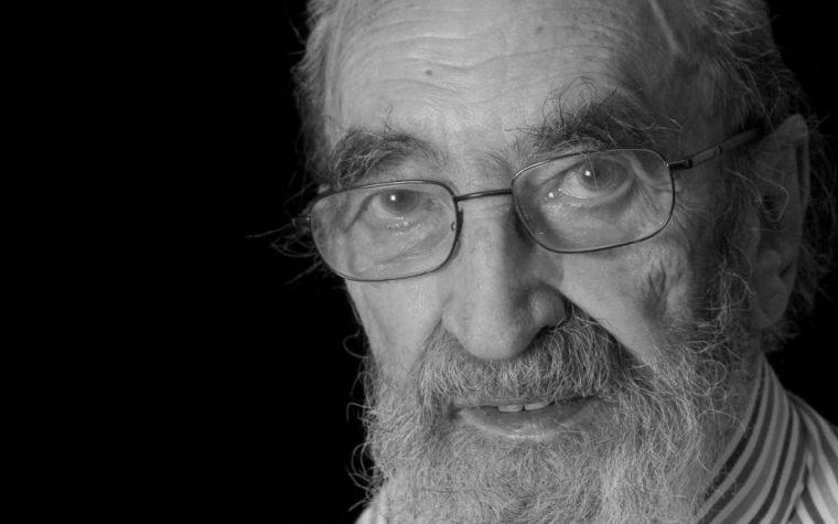 """""""Mi basta così"""": la bellissima poesia di Ángel González Muñiz"""