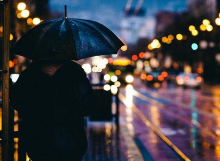 """""""Piove"""": una poesia di Eugenio Montale"""