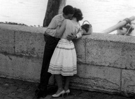 """""""Trovati un uomo che ti ami"""": una poesia dedicata a tutte le donne"""