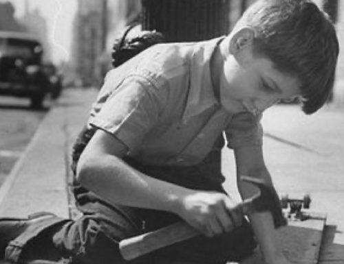 """""""La storia del ragazzo che piantava i chiodi"""": un racconto breve per riflettere"""