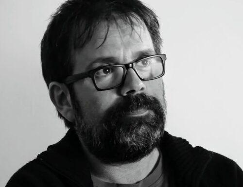 """""""Vogl'essere ospite fisso delle tue labbra"""": una poesia di Guido Catalano"""