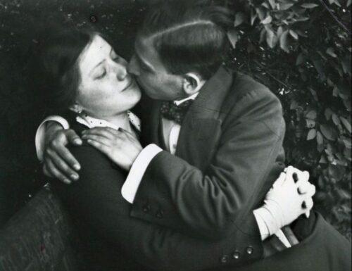 """""""Ecco cosa sei tu per me"""": una poesia di Sibilla Aleramo"""